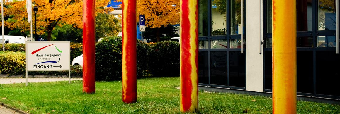 Eingang des Haus der Jugend in Chemnitz
